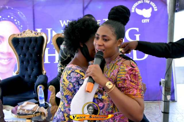 Prophetess Rose Kelvin Gifts N1m To Her Teacher From 28 Years Ago