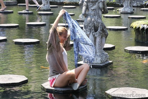 Anie na Tirtagangga - výlet na Bali
