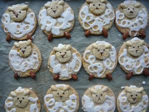Osterplätzchen, Mürbteig-Keks für Ostern, Kekse zum Osterfrühstück, Osterlamm-Keks