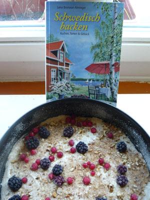 Schwedischer Walnuss-Beeren-Kuchen