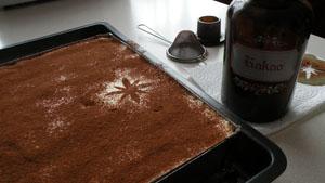 Der Klassiker mit Mascarpone-Eier-Creme und in Kaffee getränkten Biskotten.