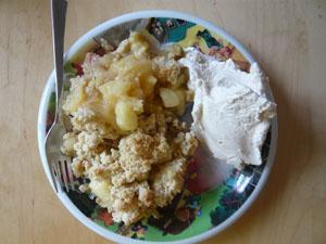 Rezept Zimteis, Rhabarber-Apfel-Crumble