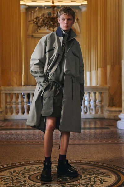 https---hypebeast.com-image-2021-07-sacai-x-acronym-collection-collaboration-launch-date-looks-003