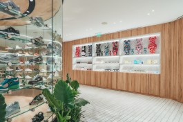 kith-hawaii-store-inside-air-force-1-11