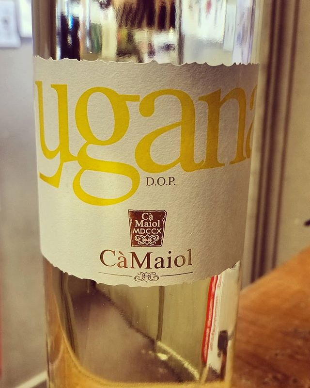 Our August Wine of the Month! CaMaiol Lugana Maiolo #wineofthemonth #wine #calandros #calandrossupermarket #calandrosmkt #italy…