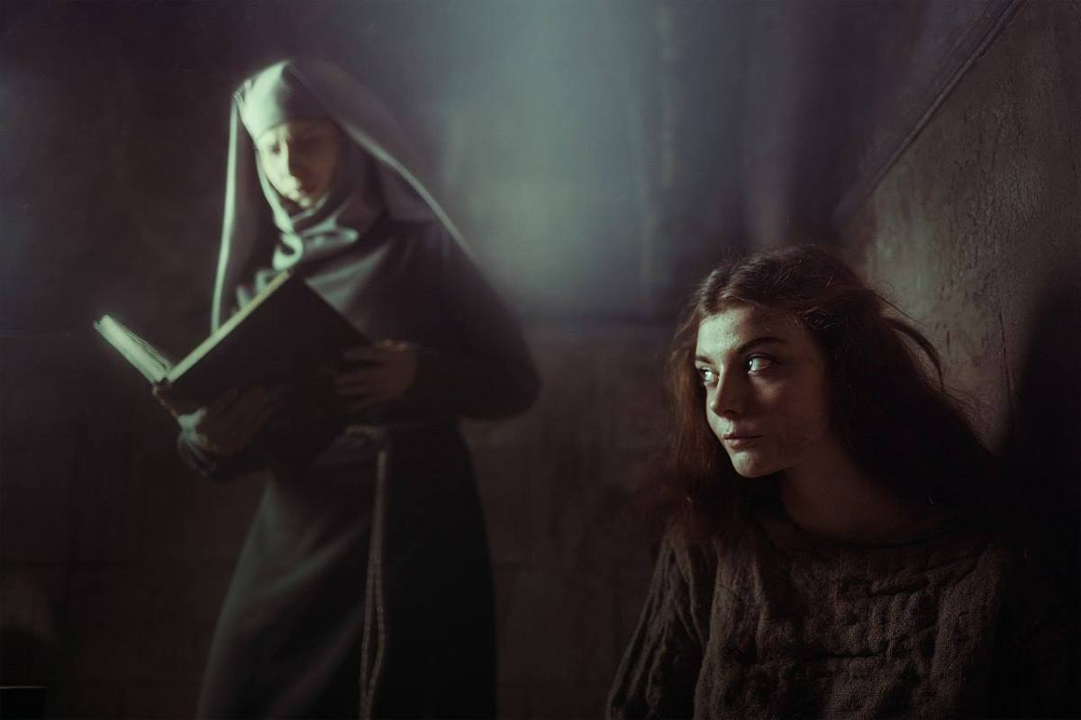 Margaery e Septã Unella - Game of Thrones Cosplays - 01
