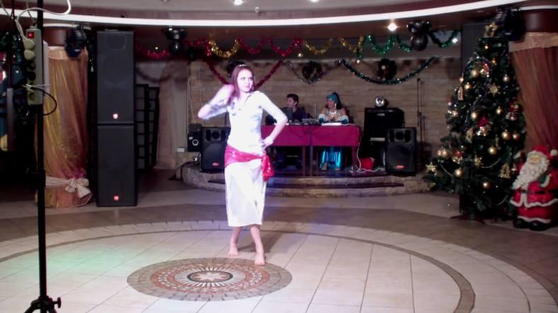 Baladi Bellydance with White Dress - Dança do Ventre Egípcia com Vestido de Seda Branco 03