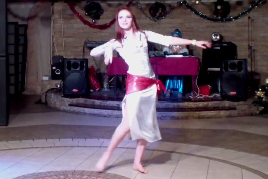Baladi Bellydance with White Dress - Dança do Ventre Egípcia com Vestido de Seda Branco