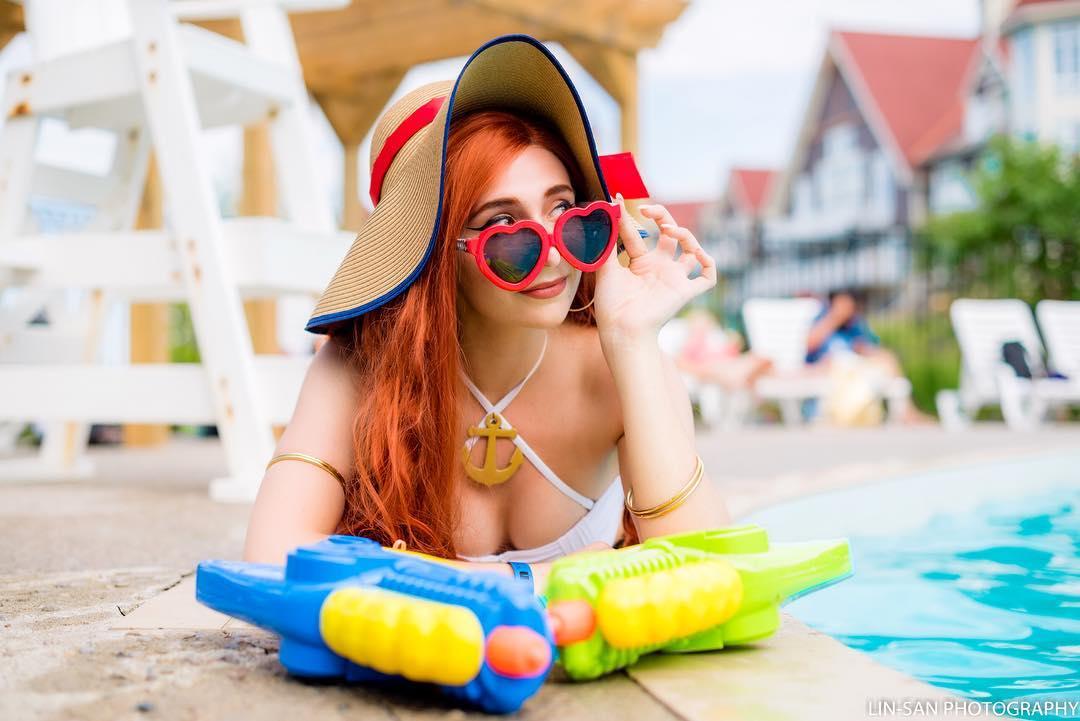 Miss Fortune Curtindo o Verão - League of Legends Cosplay - LoL 04