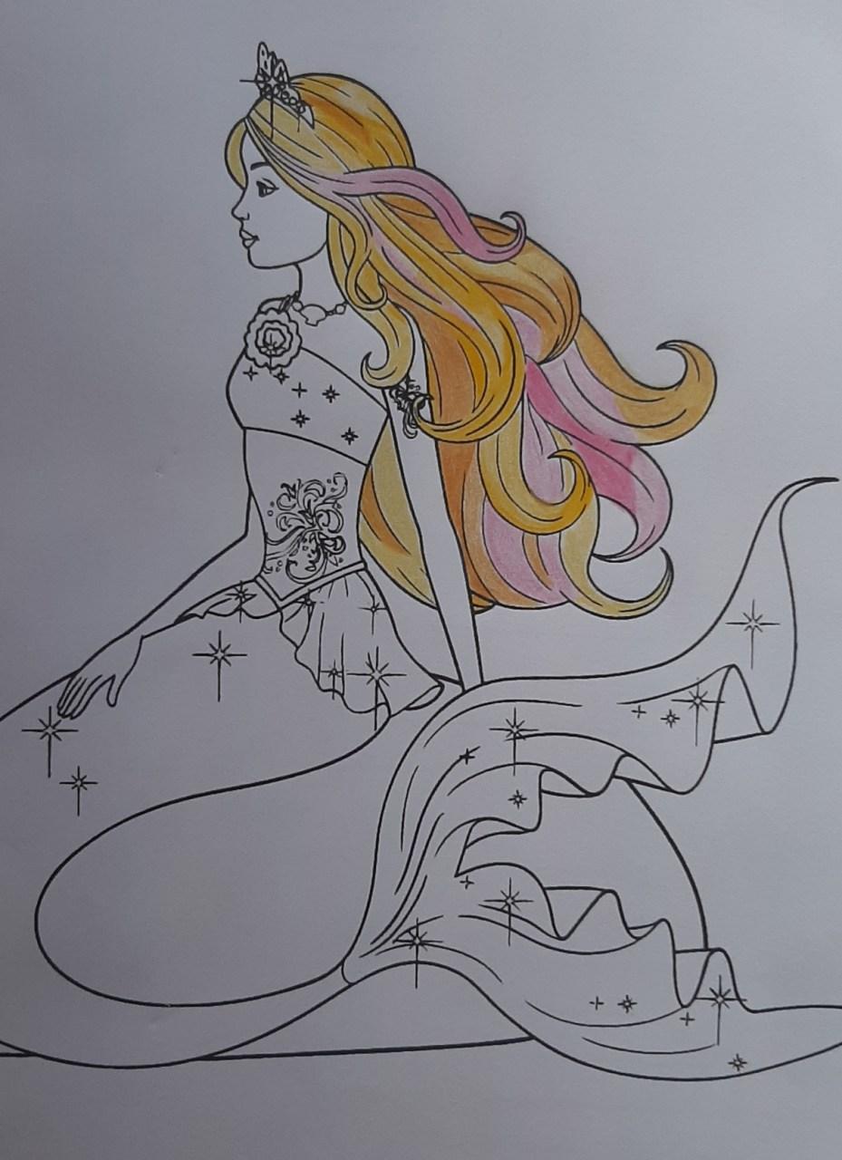 Barbie Sereia - Colorindo um desenho com lápis de cor tradicional - Cabelos longos 003