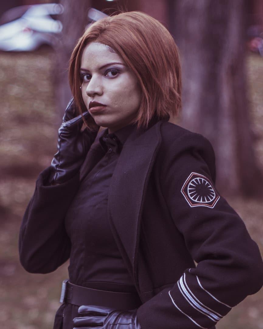Cosplay Feminino do General Hux - Star Wars 03