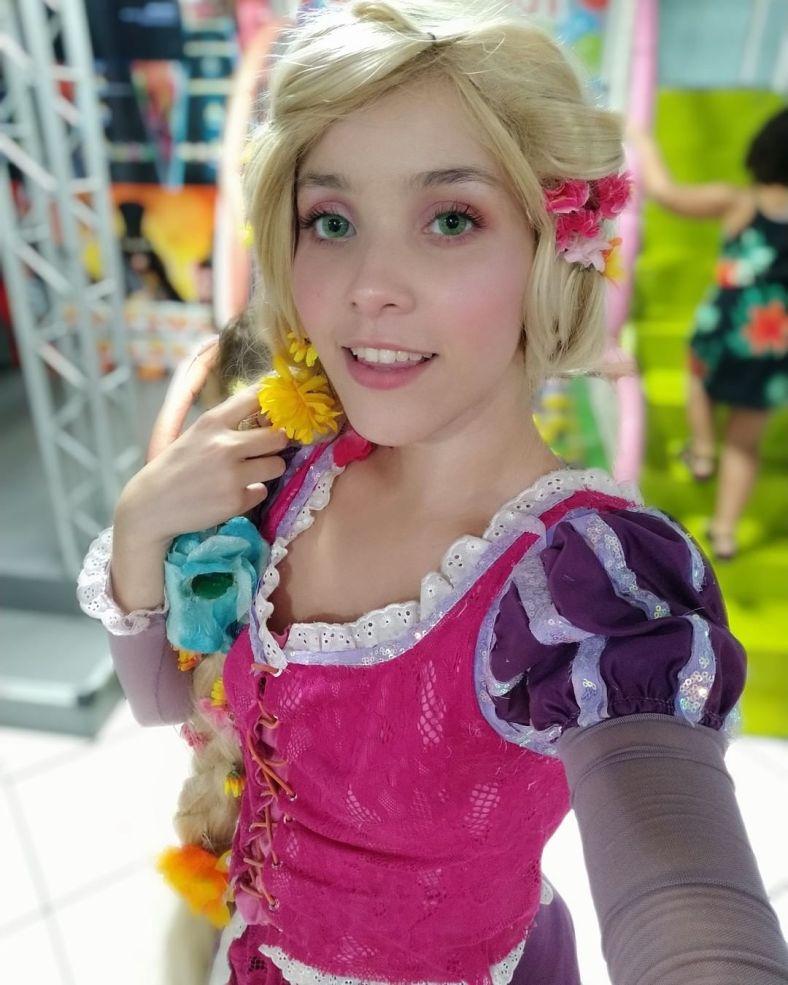 Cosplay da Rapunzel - Princesa Disney 07