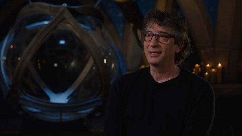Neil Gaiman no set de Sandman - Netflix