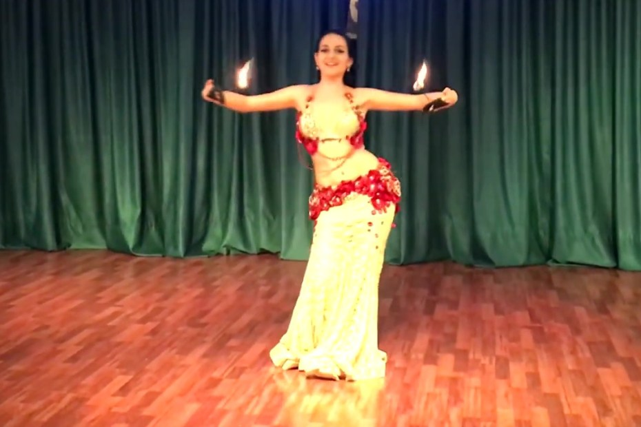 LilithDance - Belly Dance Fusion with Palm Torches Capa