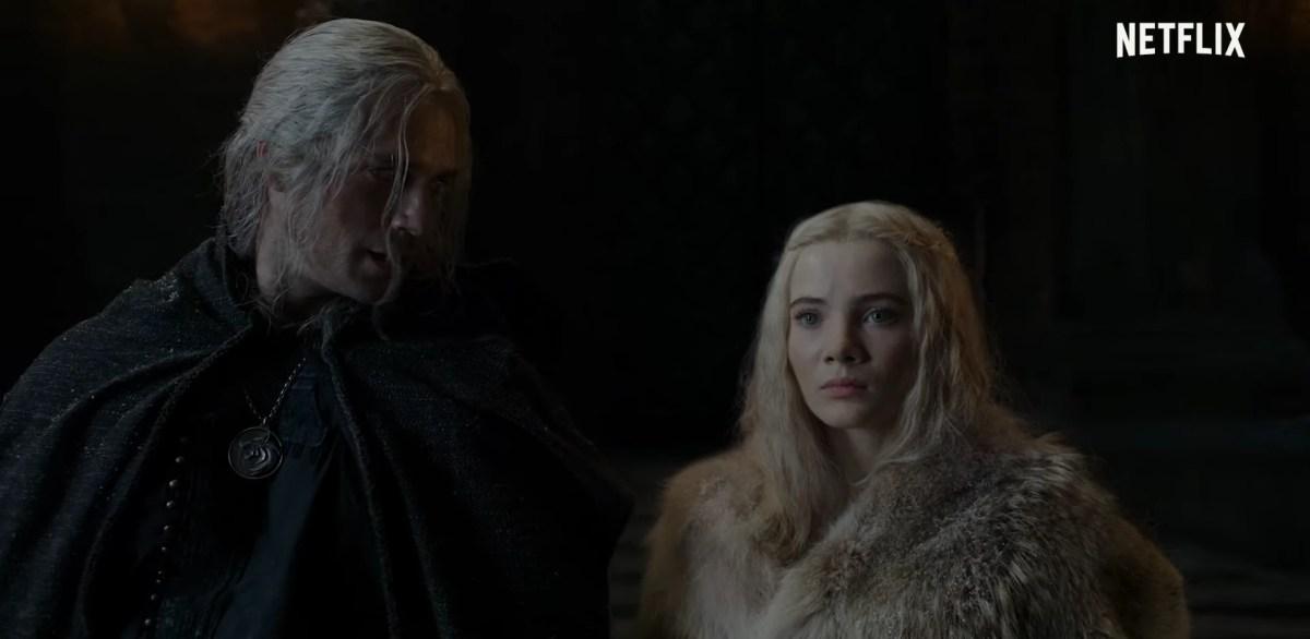 The Witcher - Imagem do trailer da segunda temporada, com Geralt apresentando Cirilla para os bruxos da Kaer Morhen