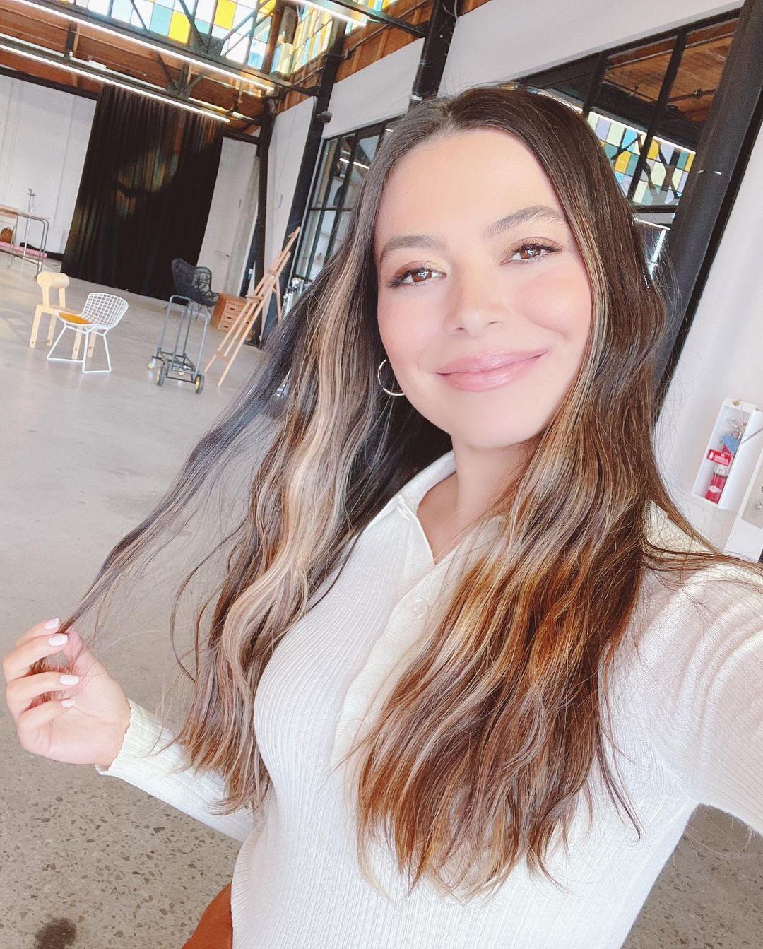 Selfie de Mirana Cosgrove 01