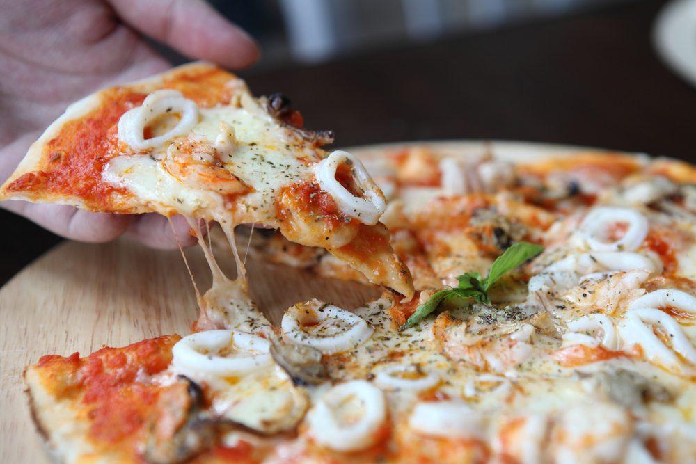Une recette méditerranéenne de pizza aux fruits de mer