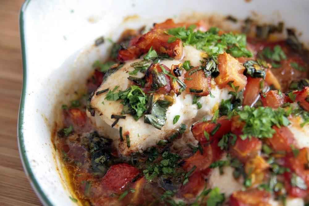 Une recette méditerranéenne de morue à la grecque