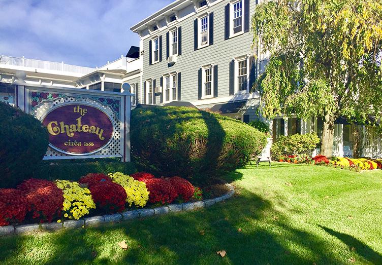 Chateau Inn & Suites