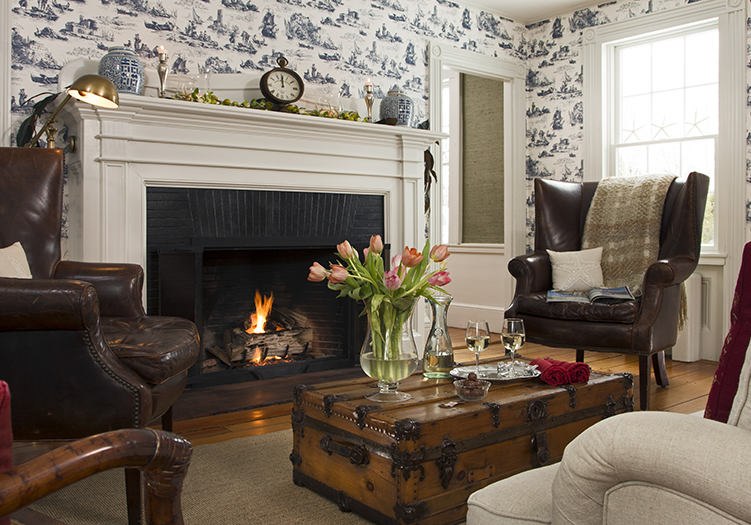 Chatham Gables Inn Common Sitting Room