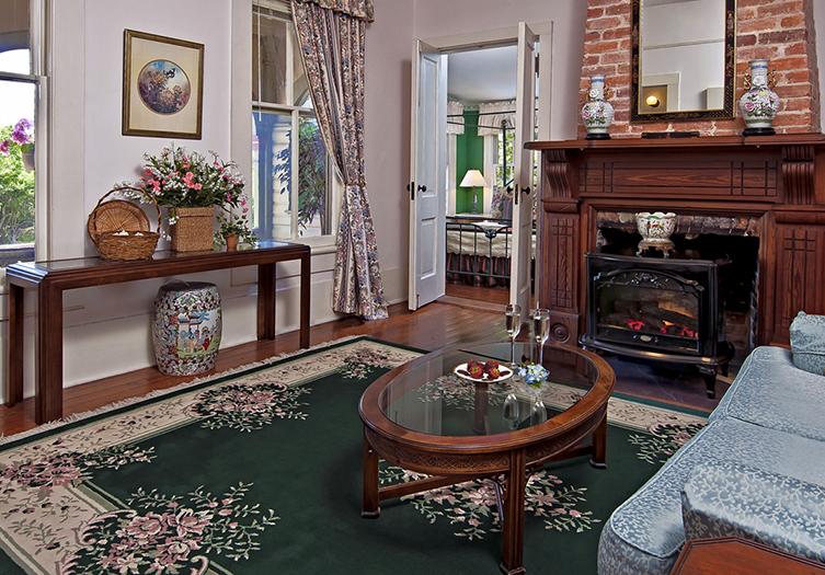 Fairbanks_House_ Fireplace