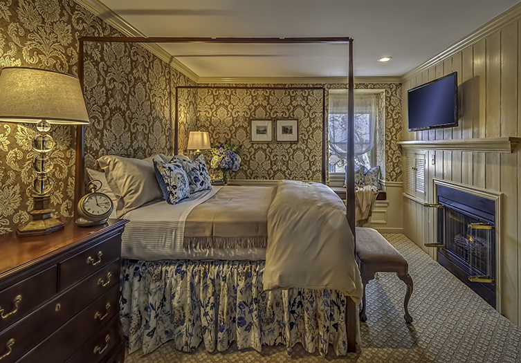 Golden Plough Bedroom 1