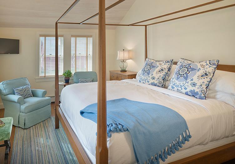 Hill-Farm-Inn-Guestroom
