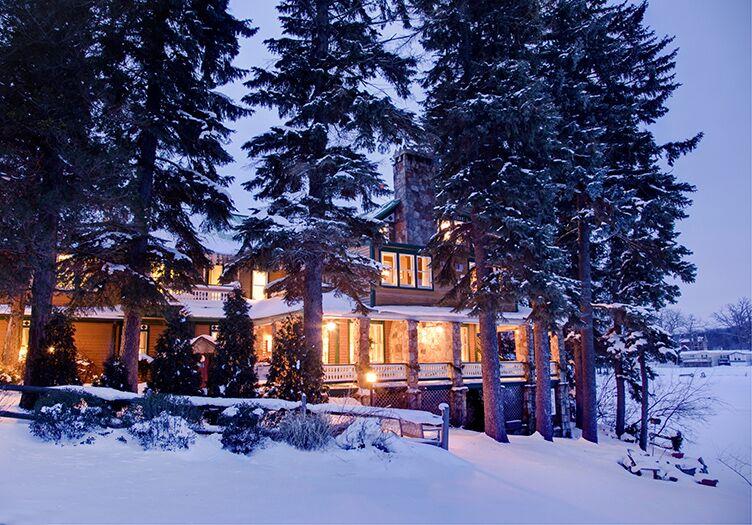 Lake-Pointe-Inn-in-snow