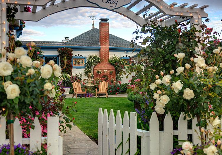 Mill_Rose_Inn_in-Spring