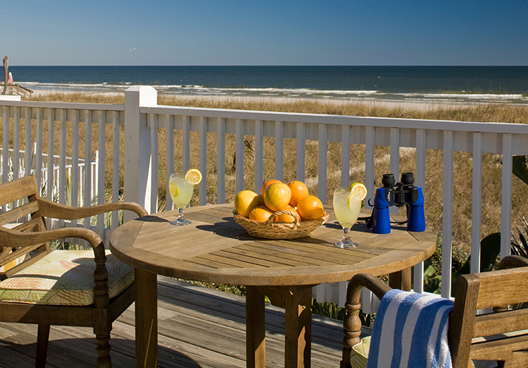 _Pointe_Lodge Fruit on terrace