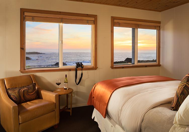Sea_Rock_Inn_Interior-ocean-view