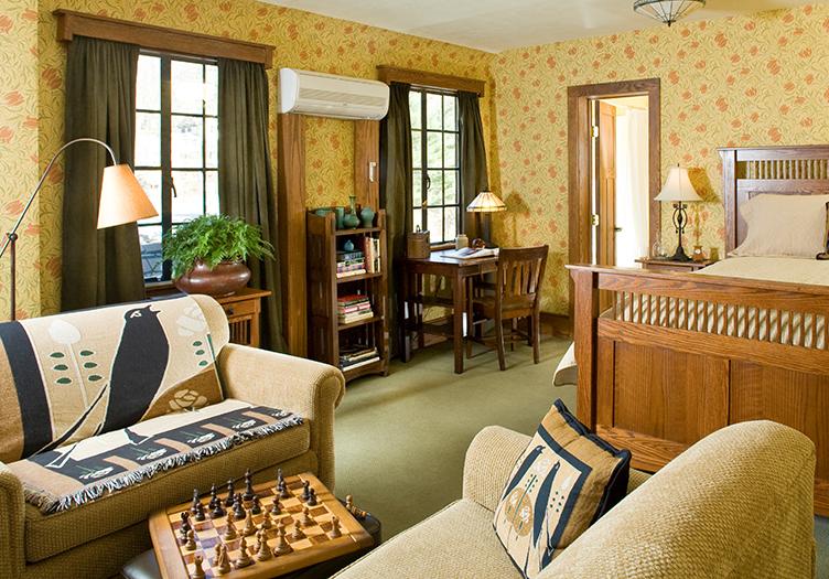 Settlers Inn Guest Room