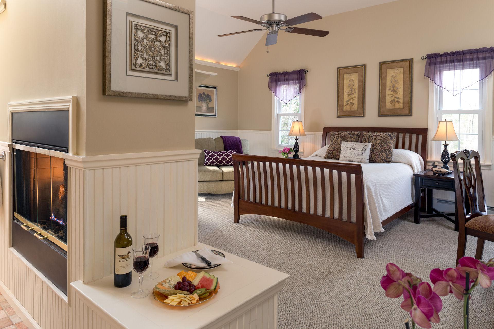 Wooden Duck Inn - Guestroom - Golden Eye -