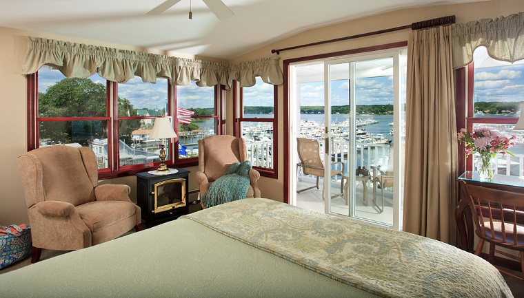 harbor-hill-guestroom