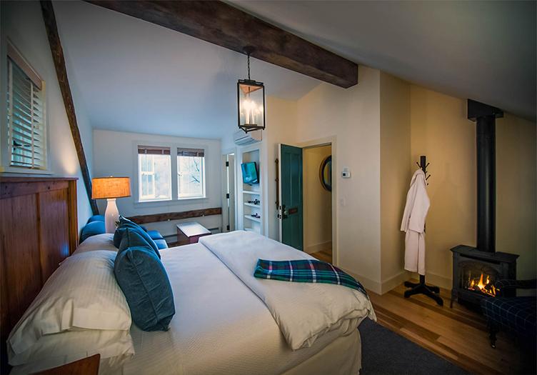 hill-farm-inn-guestroom-3