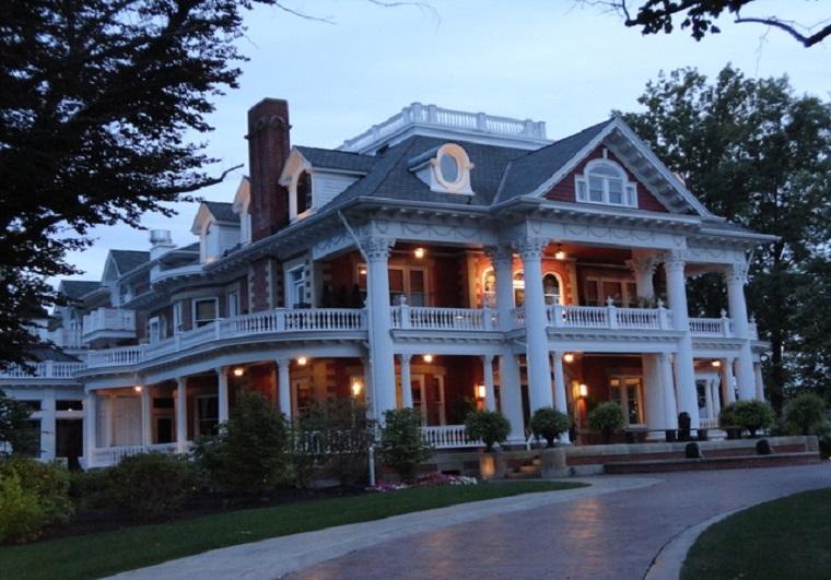 sebring-mansion-at-dusk