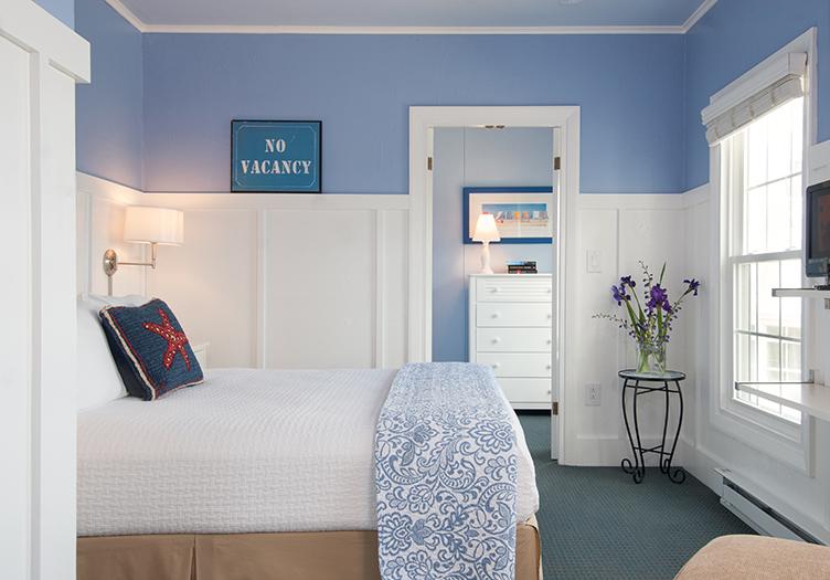 topside-guestroom