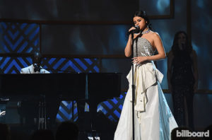 selena-gomez-performance-bb-wim-2015-billboard-650