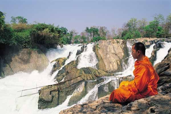 meditando-cataratasdelriomekong