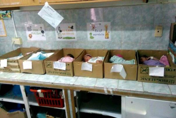 nic3b1os-en-hospital-de-anzoategui-venezuela-fotos-manuelferreirag-1