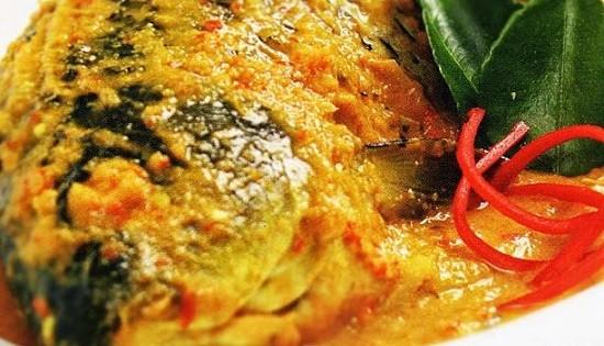 Resep Dan Cara Membuat Ikan Bawal Bumbu Kuning Tanpa Santan Yang Enak Selerasa Com