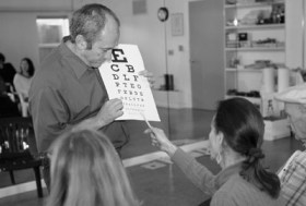 Meir instructing a Natural Vision Improvement Workshop at the Center for Self-Healing in San Francisco