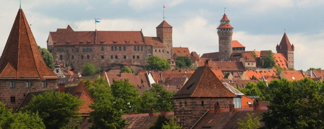 Die Nürnberger Burg. Das Tagungszentrum ist rechts mit dem eckigen Turm im Bild