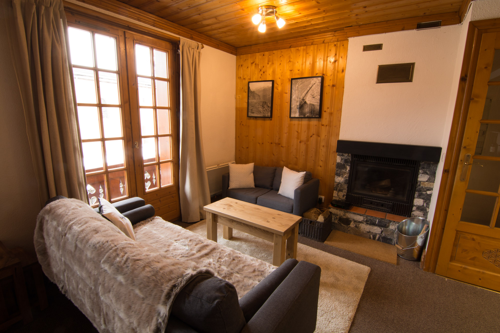 Small apartments with log fire for rent
