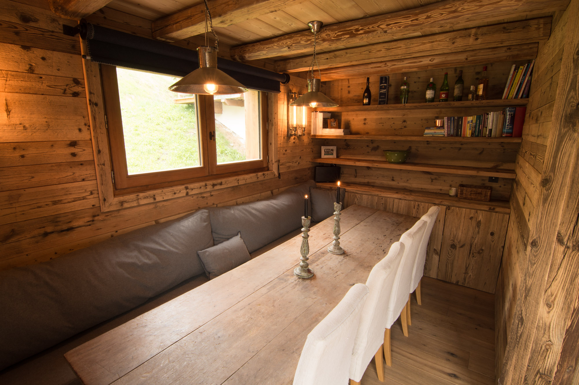 Open-plan dining area in Chalet Riondaz