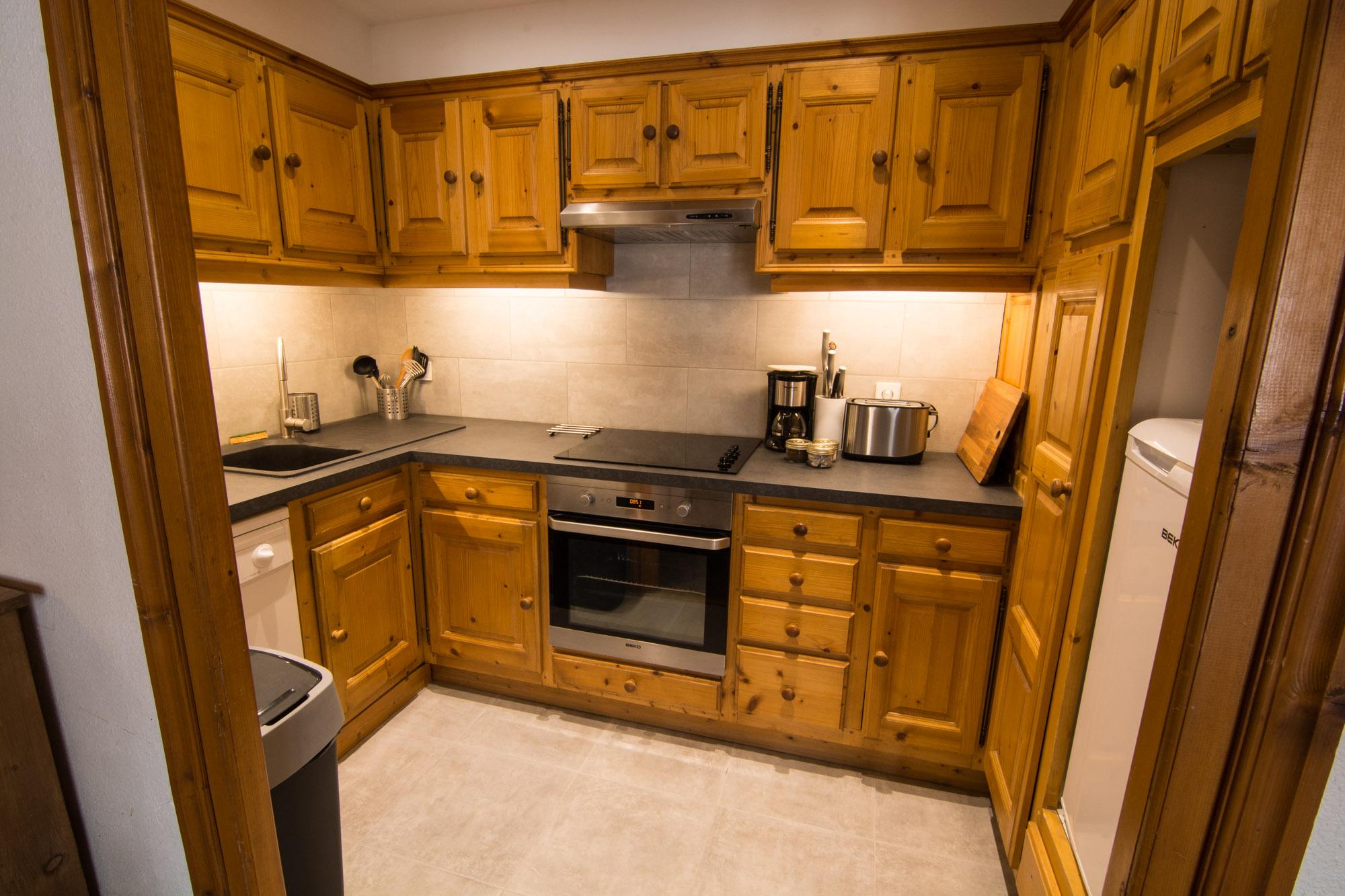 Küche Vermieten Oder Verleihen. Unterschrank Küche Spüle Kleine L ...