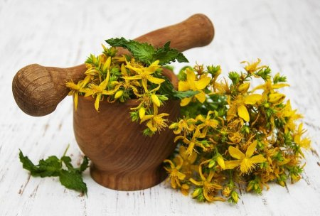 bigstock-Saint-john-s-wort-Flowers-95115728-min