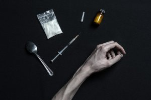 bigstock-the-fight-against-drugs-and-dr-117065714-min