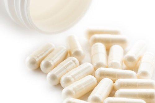 bigstock-white-yoghurt-capsules-125546321-min