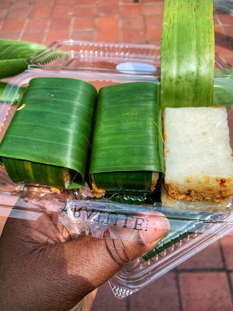 On the Kampong Glam Tour with the bitemojo app: spicy Ayam Lemper from the Ratu Lemper in Singapore - image taken with an iPhone XS